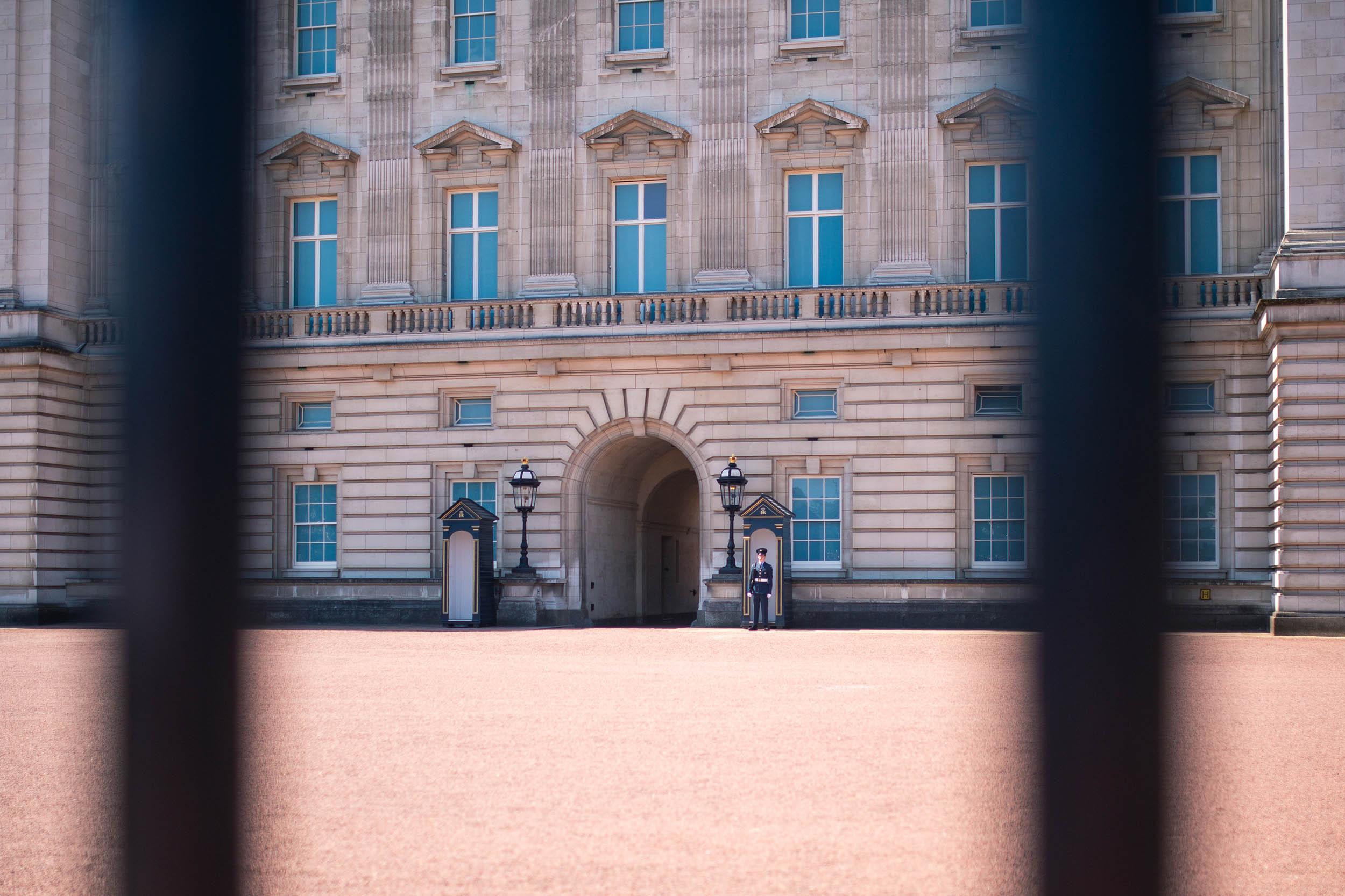 ENGLAND_LONDON_BUCKINGHAMPALACE_0011